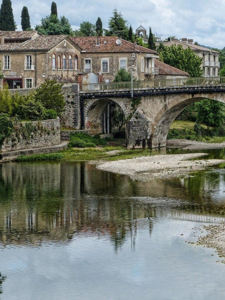 #4 Best places to retire - Heading back to Europe, Languedoc, France is in fourth place. The southern French region is rich in history, delicious food and quality healthcare. Though the area has quite a few British expats, it wouldn't hurt to brush up on your Francais!