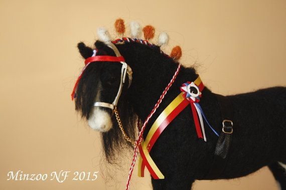 Needle felting horse, black, felted horse, shire, collectible figurine, OOAK, equestrian decor, equine art, equine, sculpture