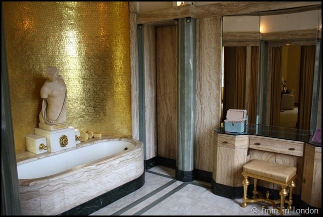 Virginia's bathroom was absolutely stunning, with the golden tiles, marble bath and statue of Psyche.