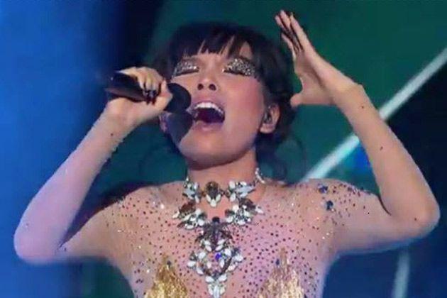 Dami singing Rock