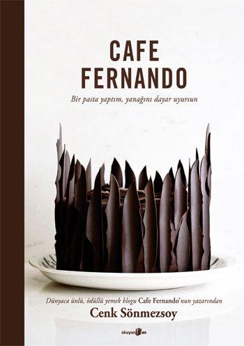 """""""Cafe Fernando - Bir pasta yaptım, yanağını dayar uyursun"""", Cenk Sönmezsoy'un öğrenciyken yurt mutfağında yaptığı domatesli makarnadan Dolce & Gabbana'ya özel tasarladığı Brownie Dantel Giyer'e kadar uzanan bir yemek hikâyesi... http://www.babil.com/urunler/1448424/cafe-fernando?moduleType=MostSold#description"""