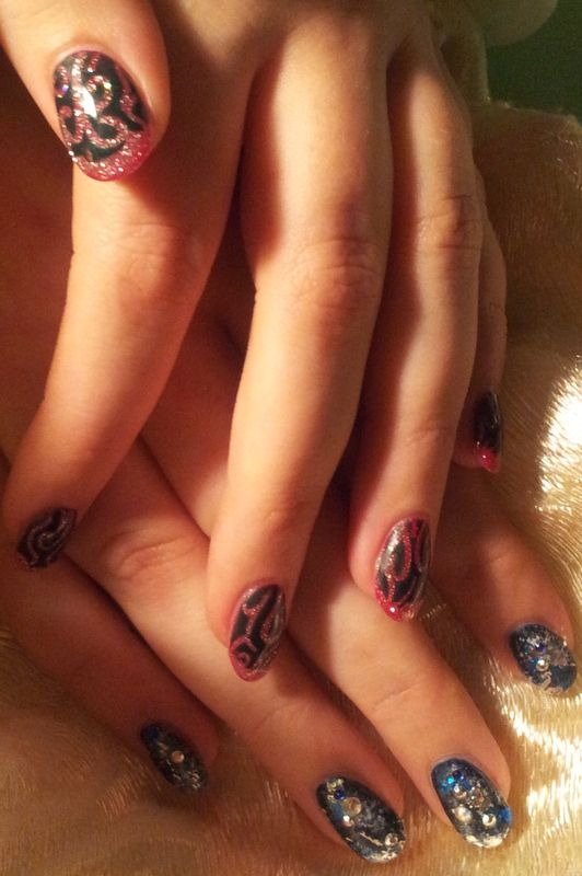 Easy and simple by CND Shellac, Christmas designs, step by step on youtube, soon