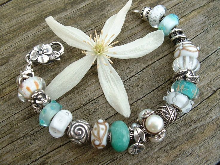 Clematis ! :) A beautiful flower and Trollbeads bracelet!