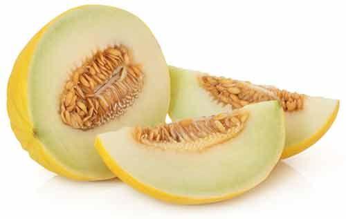 Vand har vist sig at være den mest effektive måde at reducere appelsinhud. En sund vandbalance er afgørende for en sund hud, hvilket igen bidrager til at skjule forekomsten af appelsinhud. Fedtceller ses tydeligere hvis man er dehydreret, så det er vigtigt at drikke vand hele dagen eller spise mad med et højt fugtindhold som melon, druer, tomater, bladgrøntsager og agurker. Ikke alene er de vandholdige, men de indeholder også værdifulde næringsstoffer og har et lavt kalorieindhold, hvilket…