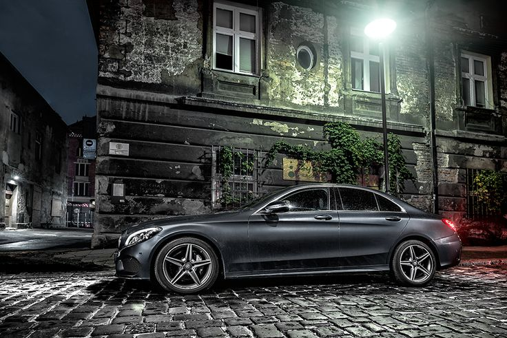 Mercedes C220 with AMG styling package at night  #mercedes #amg #night see more: http://premiummoto.pl/12/11/mercedes-benz-c220-bluetec-galeria