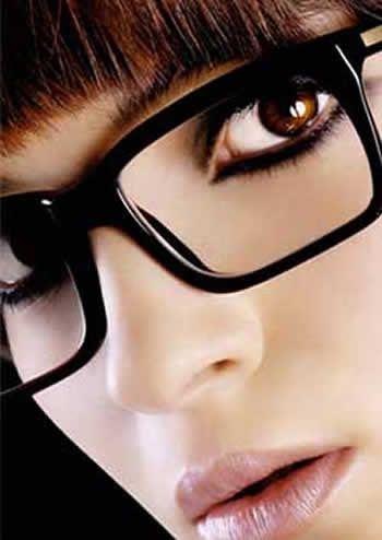 Nueva entrada en nuestro blog ¡Aprende a maquillarte con gafas!  http://www.imagenopticos.com/blog