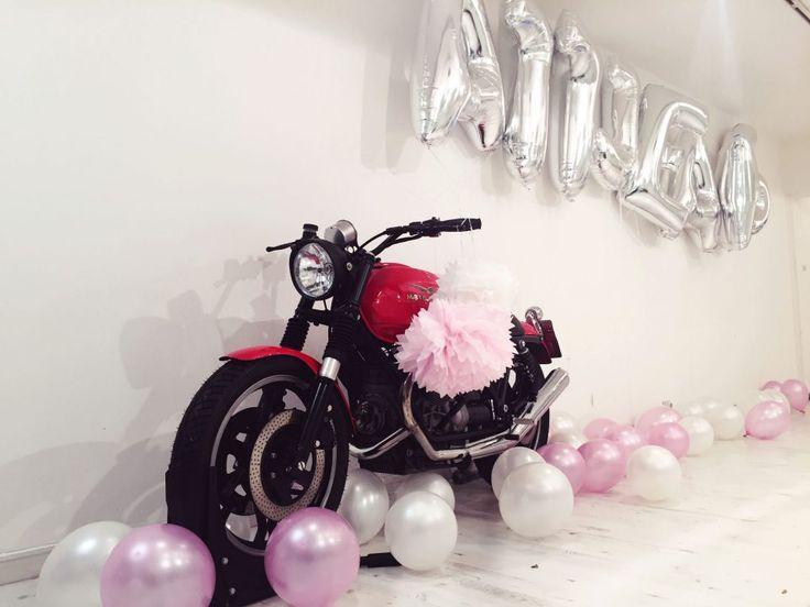 Onlineshop Release Party im ATT Showroom | ElisaZunder ATT Jeans, Showroom, Duesseldorf. Motorrad, Bike, Onlineshop Release, Party, ElisaZunder, Denim, Streetwear, Fashion, Streetstyle
