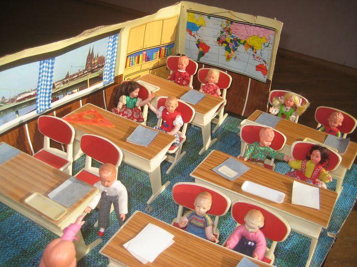 46 best Modella images on Pinterest Dollhouses Dollhouse