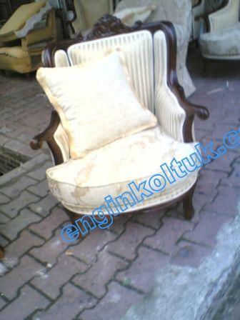 Beyaz krem rengi Engin klasik berjer koltuğu kd3 kaliteli işçilik her çeşit iskelet ve cila