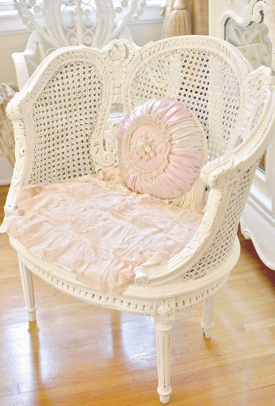 DIY:: Thrift to Gorgeous Shabby Chair Makeover How To-: Rattan Chairs, Shabby Chairs, Chairs Makeovers, Canes Chairs, White Rose, French Country, French Chairs, Shabby Chic Chairs, Vintage Style