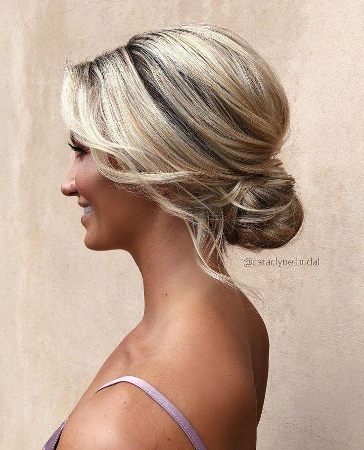 Wunderschöne Hochsteckfrisuren für eine romantische Braut - Wunderschöne unordentliche Zöpfe und Hochsteckfrisuren - Haare und Schönheit - #Schönheit ...