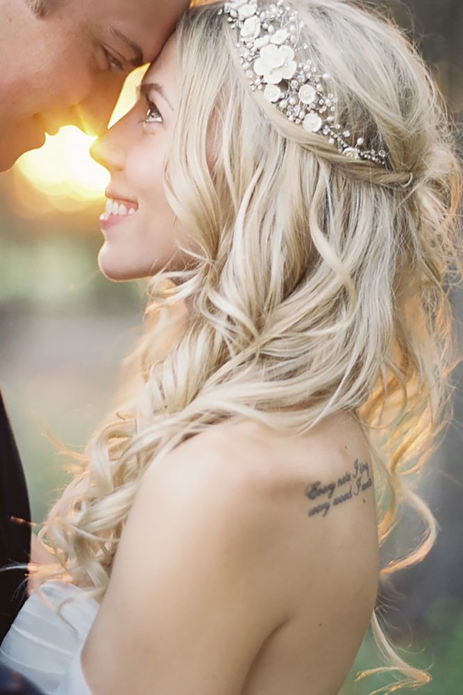 Lovely Wedding Hair Accessory Ideas And Tips ❤ See more: http://www.weddingforward.com/hair-accessories-inspiration/ #weddings