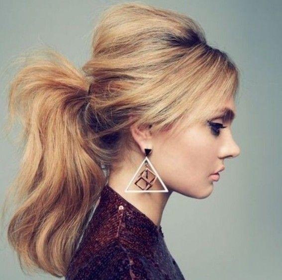 Hello les filles! Pas toujours évident de trouver de nouvelles coiffures ou de renouveler des classiques comme la queue de cheval. Indémodable, elle s'adapte à tous les styles et sublime...