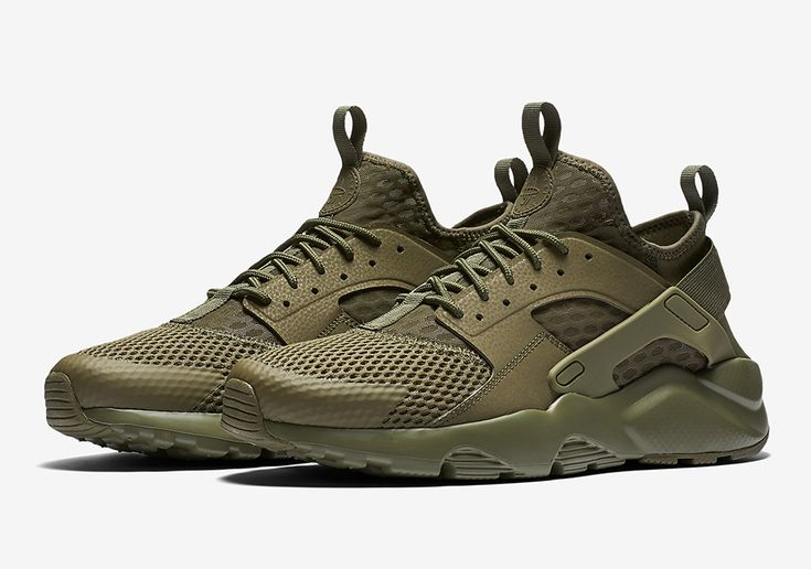 The Nike Air Huarache Ultra returns in a monochromatic Military Green for Spring 2016. The new-aged Huarache model even features hidden 3M branding.