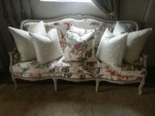 Vintage french Louis style couch newly upholstered R9500