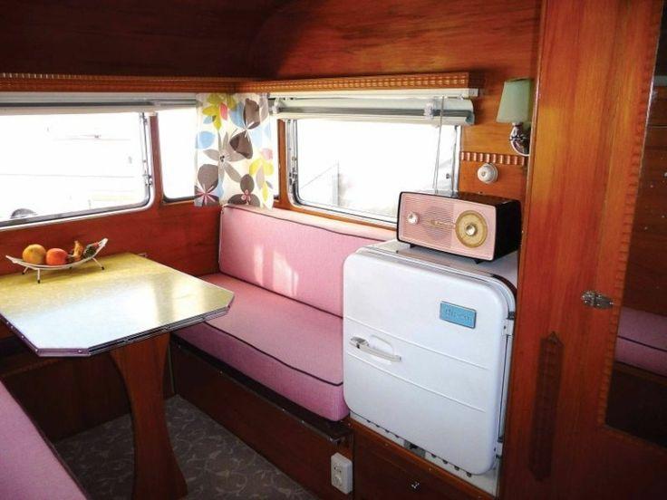 int rieur de caravane comment l 39 am nager produits caravaning bateau pinterest canap. Black Bedroom Furniture Sets. Home Design Ideas