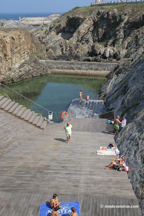 Piscina natural de Tapia de Casariego, Asturias. [Más info] https://www.desdeasturias.com/asturias/que-ver-y-que-hacer/playas/