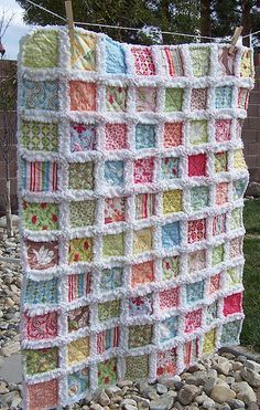 Rag quilts are always a great way to make a quilt out of any leftover scraps of fabrics you have laying around your work station at home. Whats also great about rag quilts is that you can get creative with what you have for fabric. Such as you can even use old blankets or clothing …