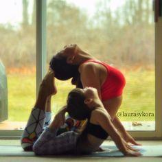 Mãe e filha de 4 anos conquistam o mundo fazendo poses de ioga 16