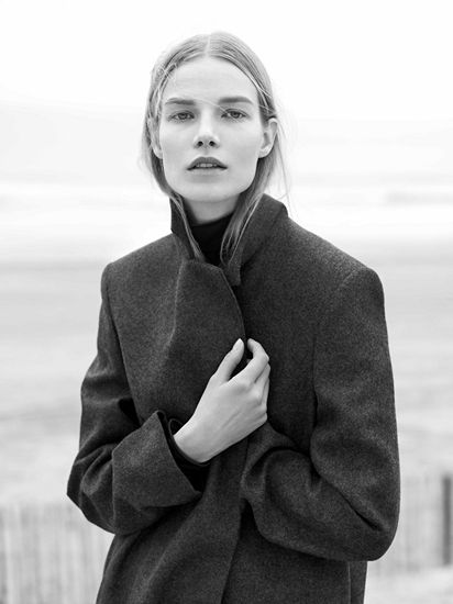 Love this Androgynous look by COS bringing a boxy and minimalist look.