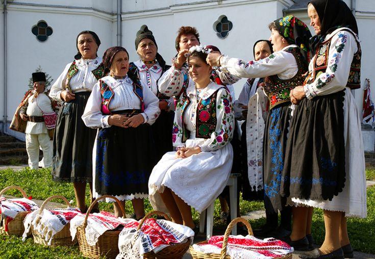 traditii_si_obiceiuri_romanesti-negrea_eugen-nunta_1-11091.jpg (2361×1631)