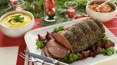 Saftiges Schmorfleisch im knusprigen Mantel: Weihnachtlicher Rinderbraten | http://eatsmarter.de/rezepte/weihnachtlicher-rinderbraten