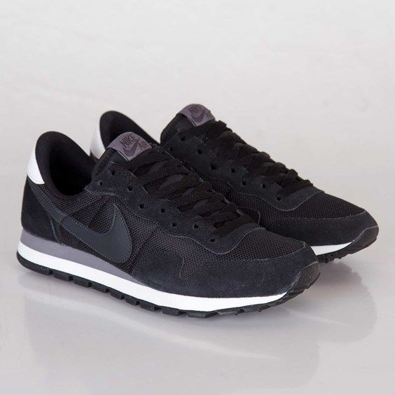 Nike Air Pegasus 83. want these soooo bad! they'd go with basically anything!