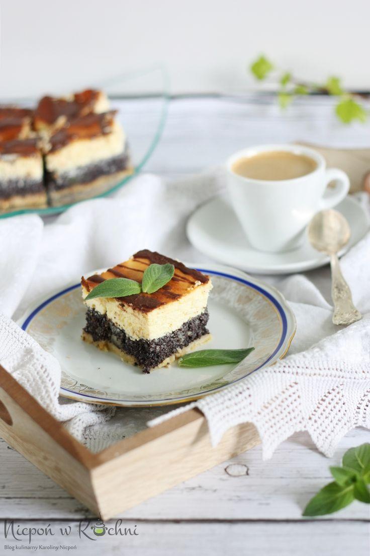 Cheese and poppy seed cake Seromakowiec czyli ciasto kruche z warstwą pysznej masy makowej przykrytej pysznym delikatnym i puszystym serem. Ciasto pięknie wygląda a smakuje? spróbuj!