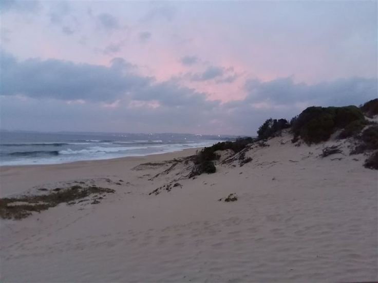 17 Milkwood Glen Keurbooms - Holiday cottage situated about 70 m from the secluded Keurbooms beach in Plettenberg Bay. ... #weekendgetaways #keurboomstrand #gardenroute #southafrica
