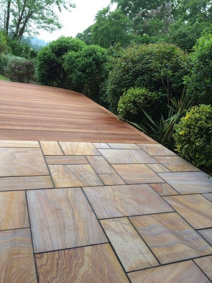 Best 25 balau decking ideas on pinterest hardwood for Gardens with decking and paving