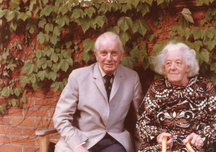 Stringer Davis and Dame Margaret Rutherford, devoted husband and wife.