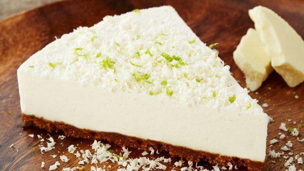 Vyzkoušejte novou variaci na téma cheesecake. Hřejivou chuť základu z karamelových sušenek doplňte svěžím krémem s bílou čokoládou a limetkovou šťávou.