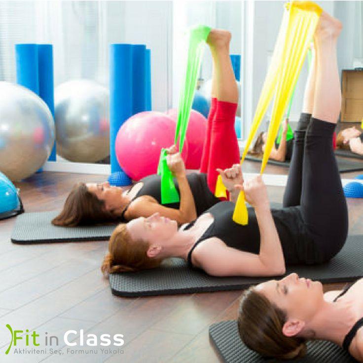 Pilates yaparak gerginliğinizi atın! Egzersiz yaptığınızda salgılanan endorfin hormonundan dolayı mutlululuğunuz artar ve stresiniz azalır. Stres boyun ve omuzlarda birikir ve kasları gererek omuzları sıkıştırır. Pilates yaptığınızda boyun ve omuzları sıklıkla esneteceğinizden düzelen duruşunuzla birlikte bu bölgede biriken gerginlik de azalır. www.fitinclass.com