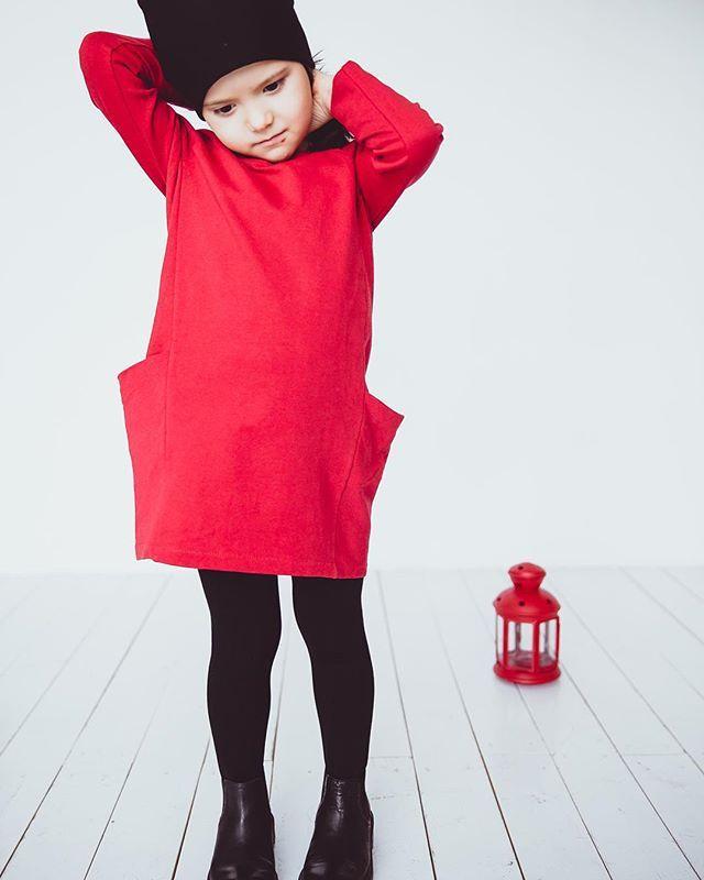 #minima_lis #streetfashion #fashionkids #minimalism #deti #reddress #red