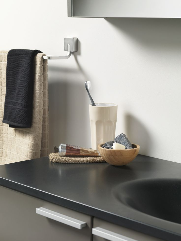 Matching towels and accessories brings serenity