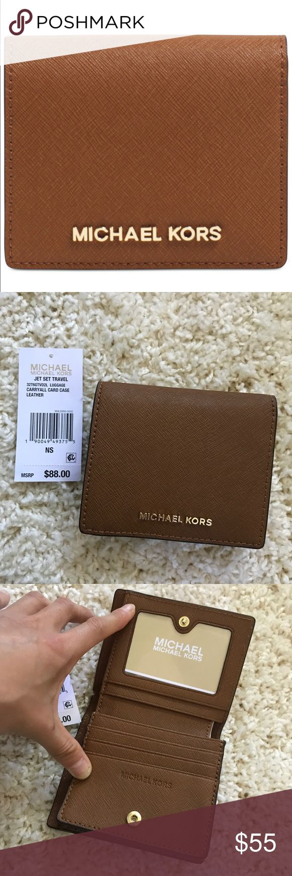 Michael Kors Jet Set Travel Wallet Carryall Card Case Leather. So cute and perfect for travel. MICHAEL Michael Kors Bags Wallets