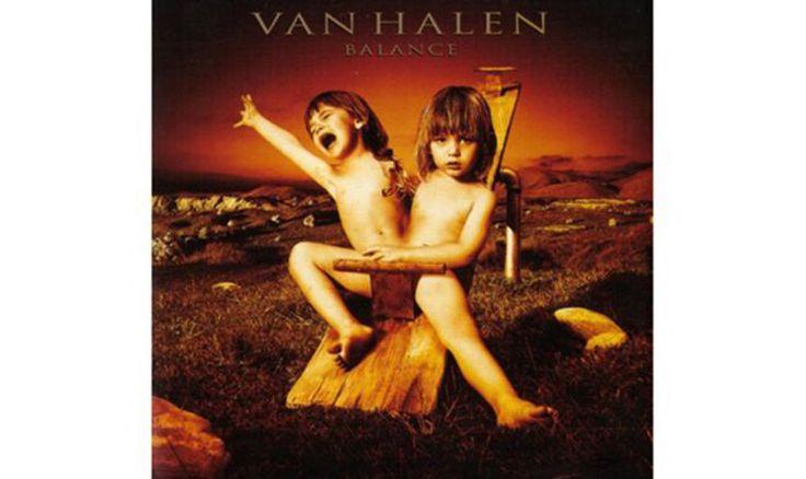 Van Halen, 'Balance' (1995). Siamesische Zwillinge auf einer Schaukel? In den USA musste einer per Photoshop entfernt werden.