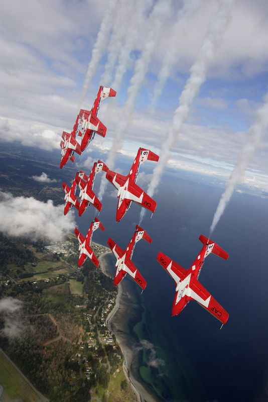 """Creative Writing Prompt - Canadian Air Force Demo Team """"Snow Birds"""""""