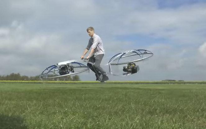 British inventor builds incredible working hoverbike...... http://www.telegraph.co.uk/technology/2016/04/29/british-inventor-builds-incredible-working-hoverbike …