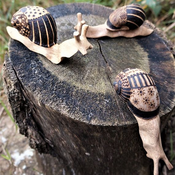 Solid wooden snail, pyrography snail shell, cute alternative gift, gifts for him, gifts for her, unusual animal gift, animal lovers gift