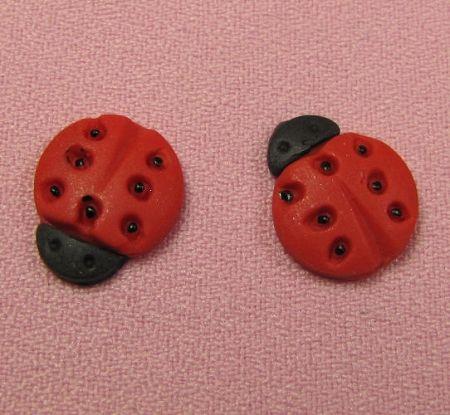 how to make a ladybug out of fondant