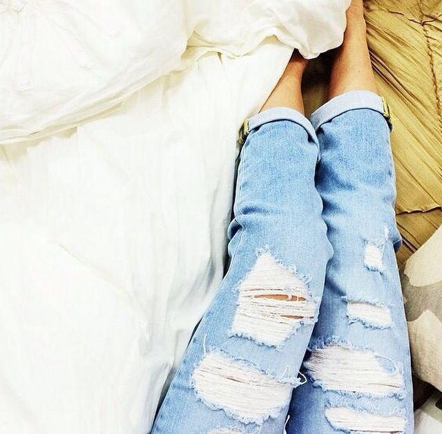 Did you know? You can try on clothes from the comfort of your own bed! Download the free #TryItOnOnline app and shop new styles from Nordstrom. (credit Nordstrom) http://smarturl.it/tryitononline