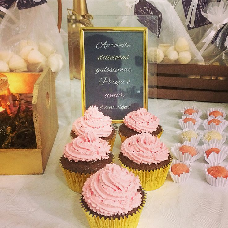 Noivado criativo #cupcake #mesadedoces #ideias