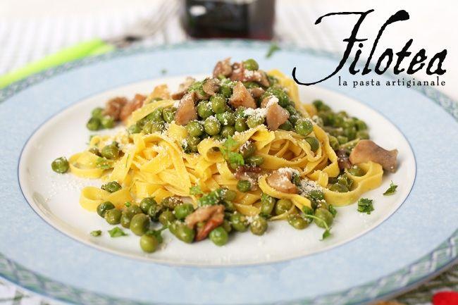 Fettuccine Filotea con piselli e funghi porcini