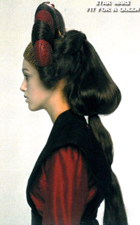 Star Wars Queen Amidala's handmaiden Sabe's Battle Dress - Side view