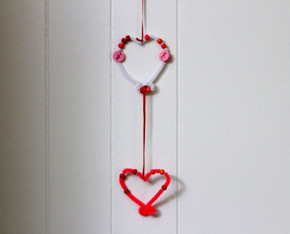 Valentine Heart MobileDollar Stores, Stores Crafts, Pipecleaner Heart, Kids Crafts, Pipe Cleaner Crafts, Dollar Store Crafts, Crafts Tutorials, Valentine, Cleaners Crafts