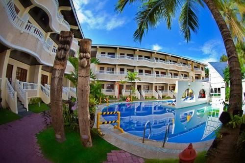 REAL MARIS HOTEL  3D2N Hotel Stay  Your deal includes: • 3D/2N VIP Deluxe Room Accommodation for 2 • Breakfast for 2 • One time romantic dinner for 2 • Welcome Drinks • Free Wi-Fi • Round trip land and boat transfers • Municipal Fees • Free use of resort facilities