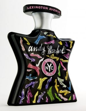 Andy Warhol Lexington Avenue by Bond No 9 is a woody, warm, spicy and aromatic Chypre fragrance with cypress, cardamom, star anise and fennel bulb in the top. Peony, orris root, almond and creme brulee in the middle. Patchouli and sandalwood in the base. - Fragrantica
