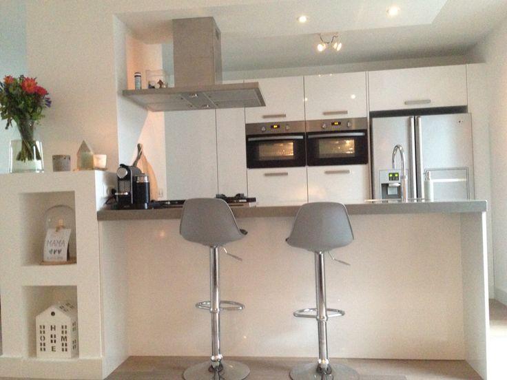 Moderne Keukens Gent : ... MODERNE KEUKENS STRAK & WIT + + op ...