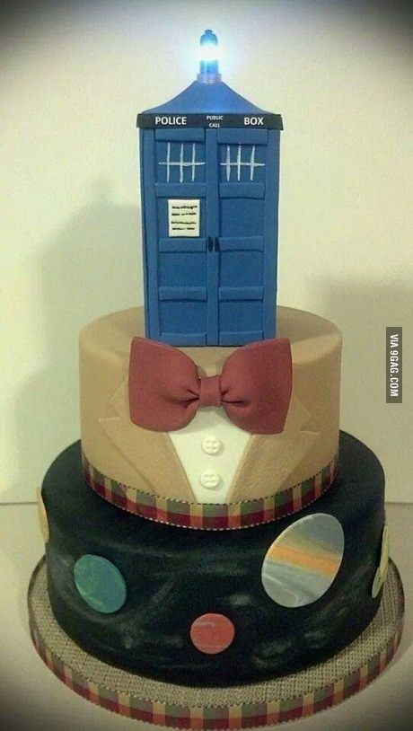 really like the bow tie/jacket layer #DrWhocake @Emily Schoenfeld Schoenfeld Schoenfeld Harris